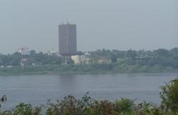 Mesto na protejsim brehu reky Kongo, Kinshasa