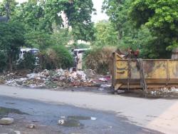 Smetiste kousek od nasi kancelare v Lahore